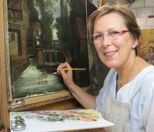 Brigitte DUBAR restaure des tableaux a Lambersart